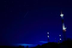 寒く澄んだ、星のにぎやかな深夜