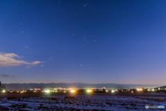 伊那谷に昇る冬の星