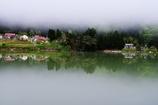 霧に浮かぶ山里