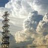 夏雲と送電線