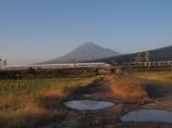新幹線と逆さ富士<水たまり編>