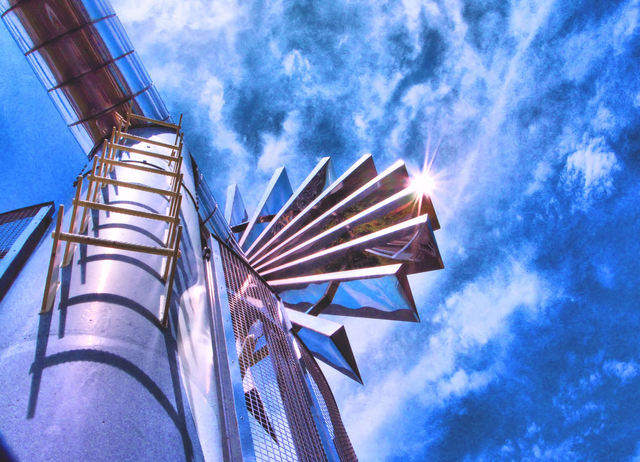 メタリックな風車