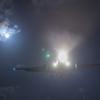 月明かりの飛行機