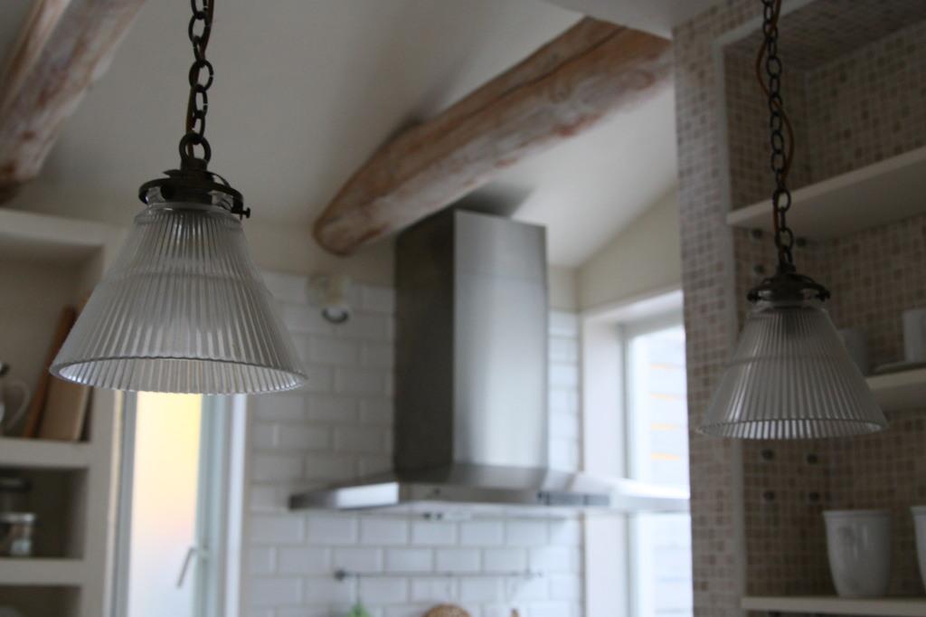 電灯からキッチン