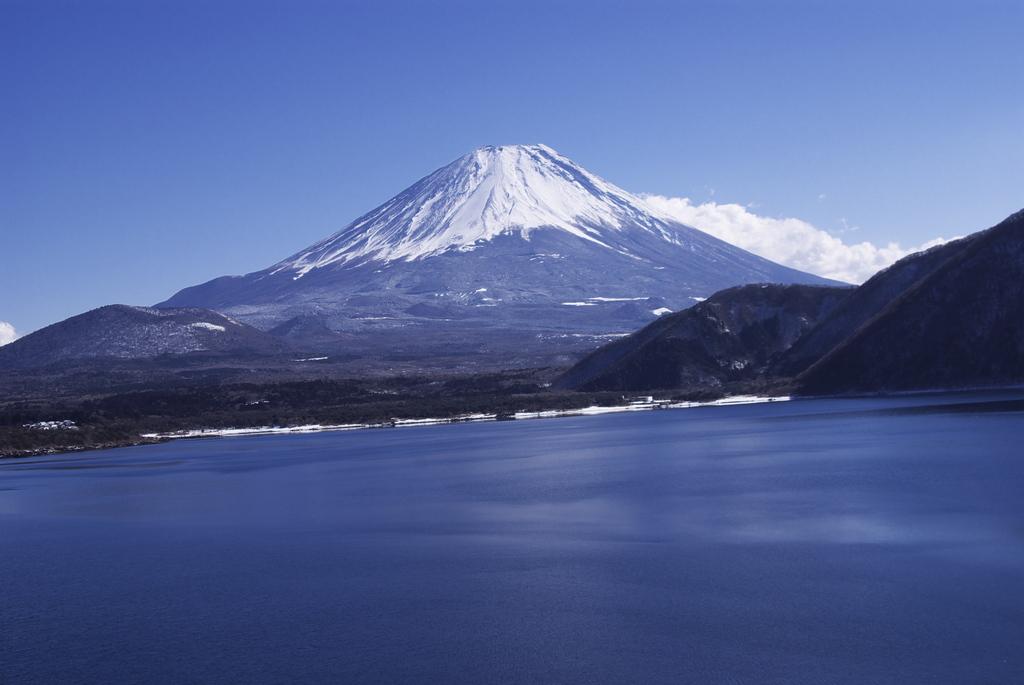 千円札 本栖湖