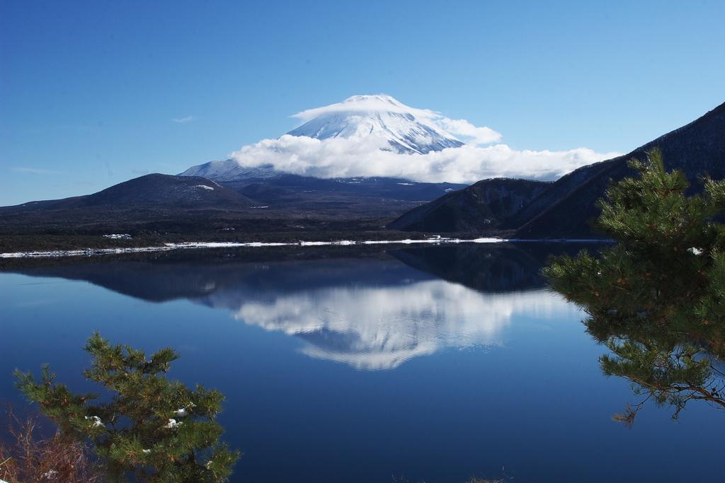 笠富士 本栖湖