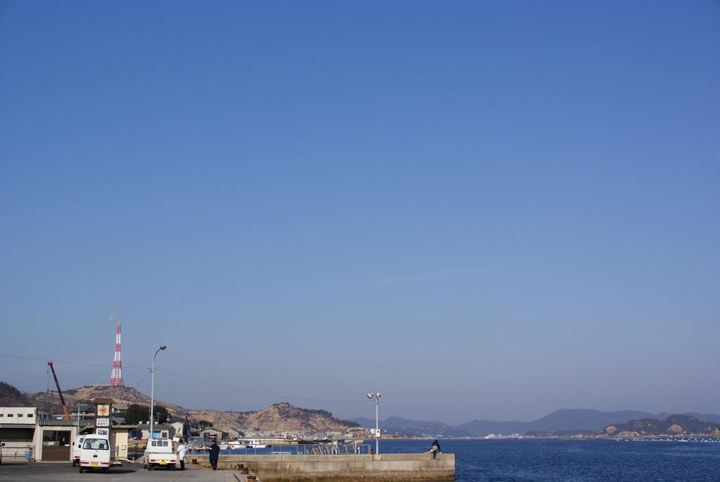直島の海と空
