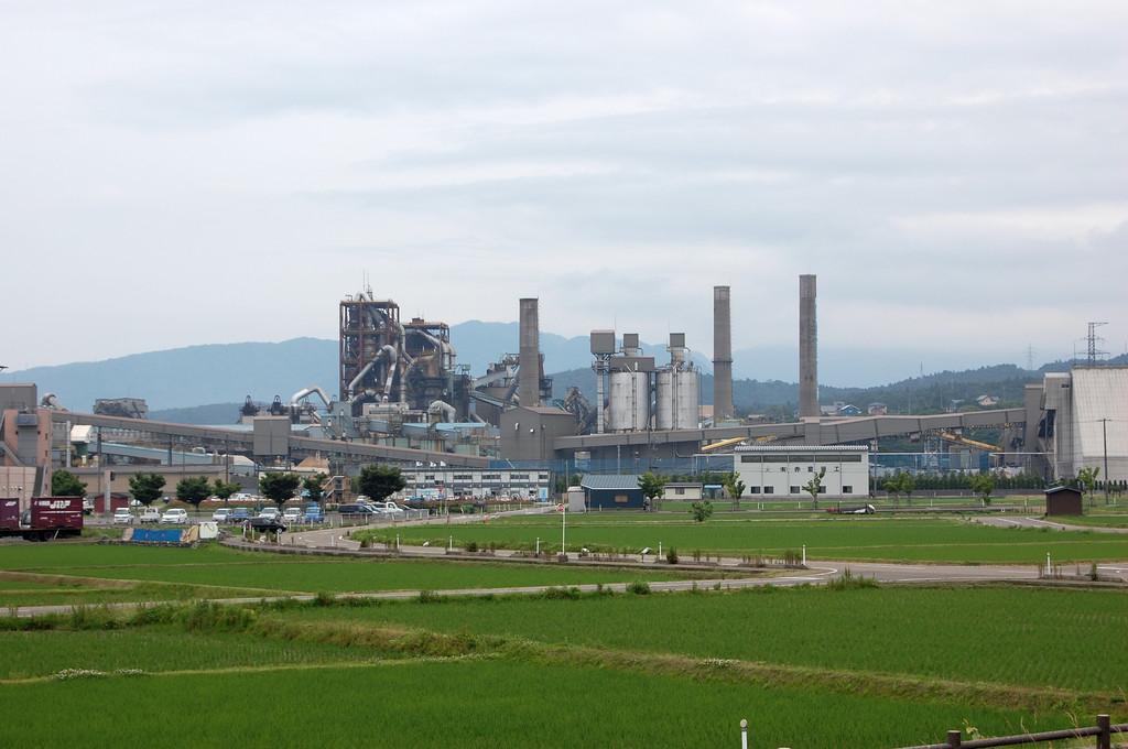 糸魚川市 明星セメント工場