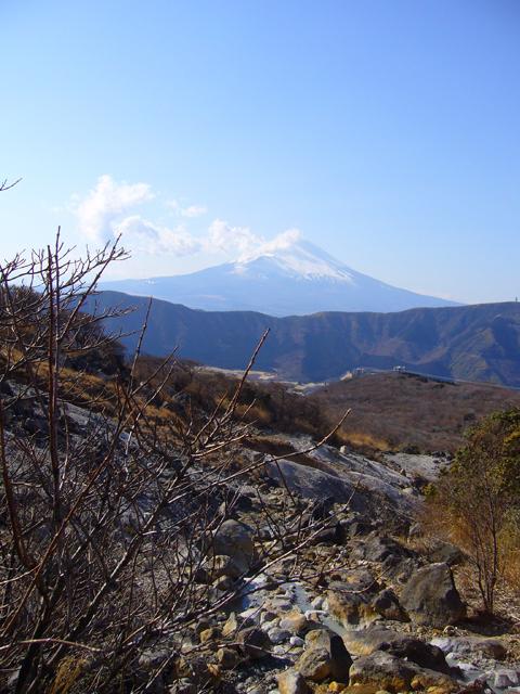 箱根大湧谷から見た富士山