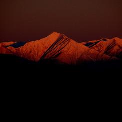 NIKON NIKON D40で撮影した風景(暁の常念岳)の写真(画像)