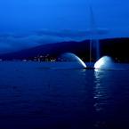 FUJIFILM FinePix S602で撮影した風景(諏訪湖噴水)の写真(画像)