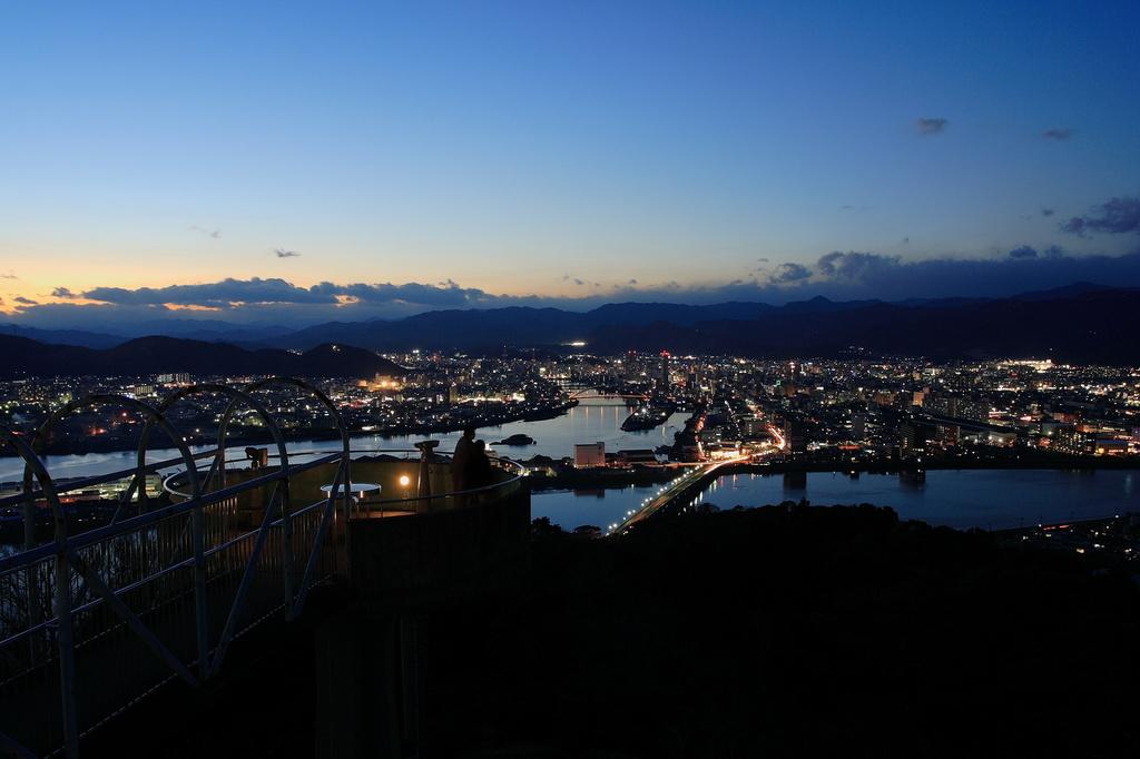 トワイライトな高知の夜景