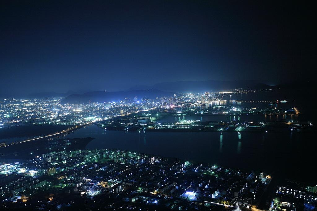 瀬戸内海の街