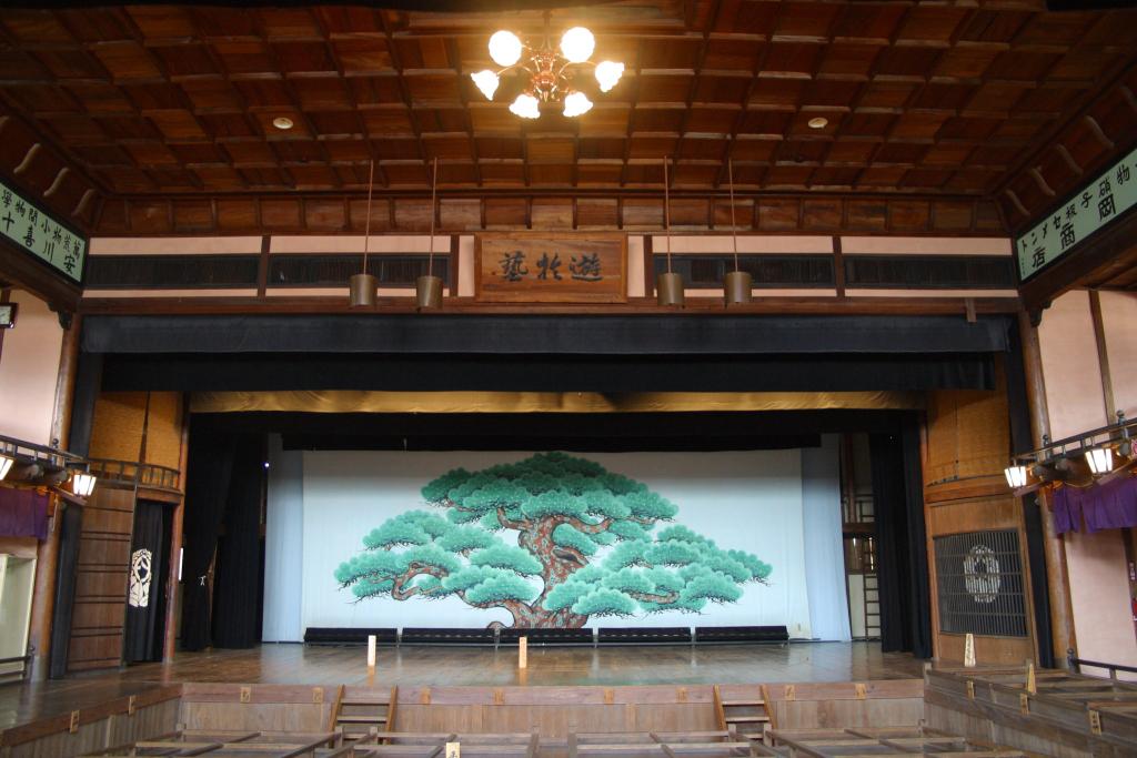 内子座という芝居小屋です。