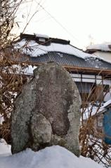 冬の湯西川温泉①春を待つ石仏