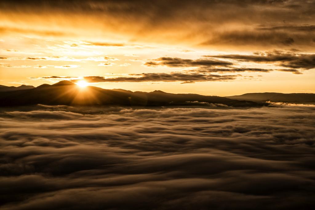 朝陽の雲海