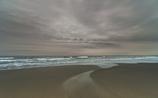 穏やかに寄せる波
