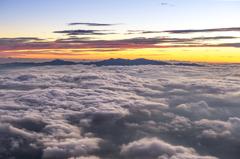 雲に浮かんで