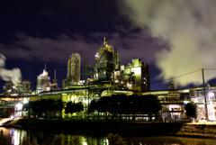 雲と蒸気と煙と工場夜景2
