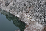 静かな雪景の中を・・・