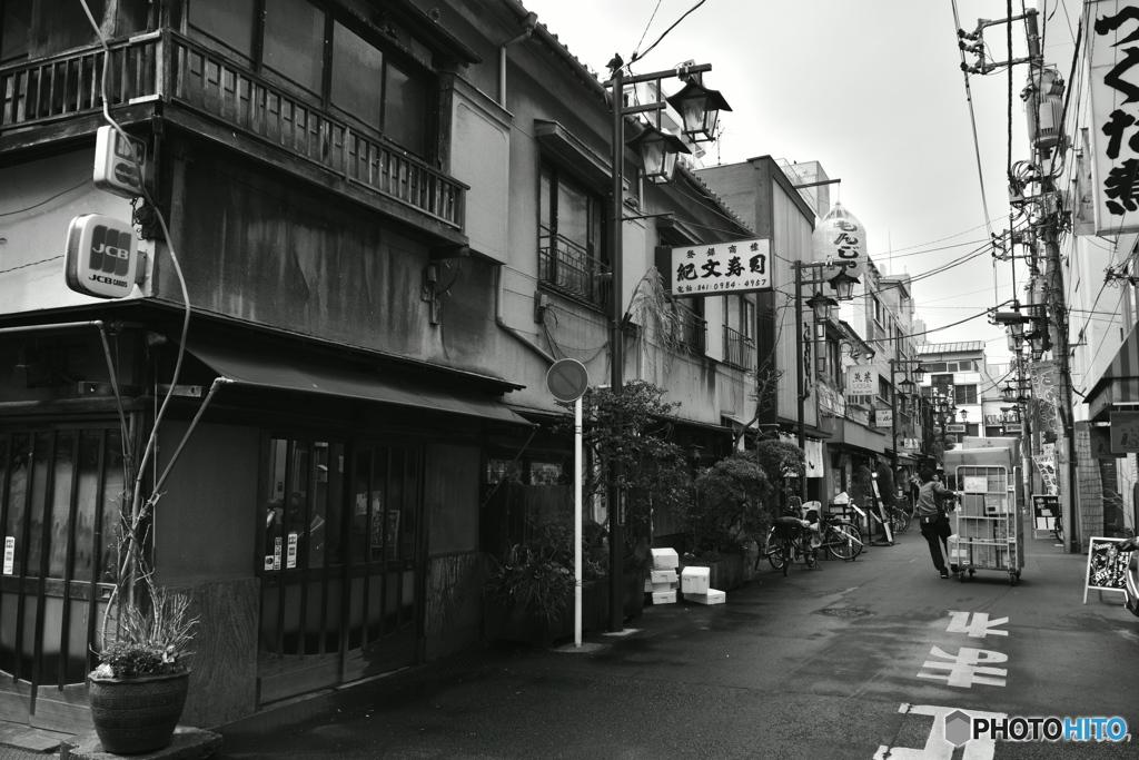 老舗の街並み