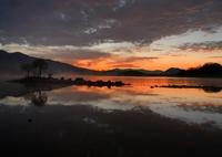 NIKON NIKON D850で撮影した(星明かり残る桧原湖(暗闇撮影テスト写真))の写真(画像)