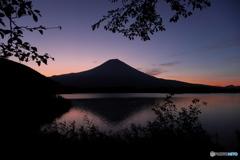 富嶽よ永遠に~夏の夜明け前