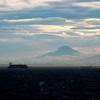 富嶽よ永遠に~コンテナ船と雲夕景
