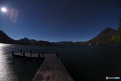 月明かりの桟橋