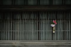 おもてなしの格子窓