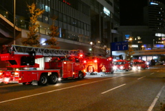 桜木町駅前で火災?