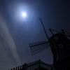 風車小屋の夜