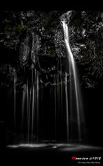 metallicな滝