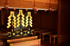 車折神社本殿の金幣