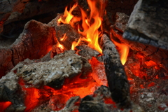 仏崎山観音寺境内の焚き火