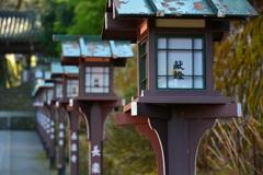 長楽寺参道の灯篭