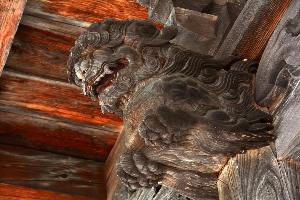 霊松寺山門の獅子鼻2