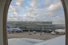東京国際空港 着