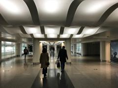 天津滨海国际机场 入管へ