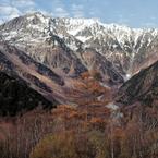 山稜に冬の訪れ