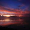桧原湖の黎明 ~流れる雲と朝霧