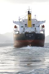 巨大タンカー