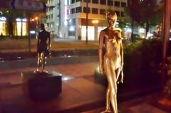 御堂筋散歩(女性像)