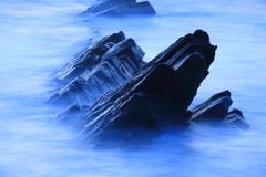 清浄石で朝を待つ、