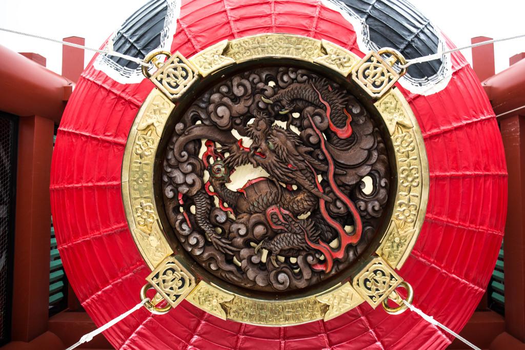 浅草寺を守護する龍 -雷門で