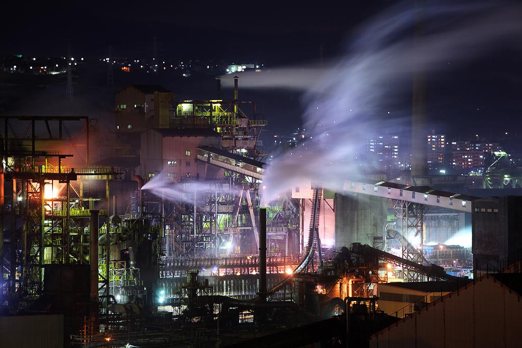 新日本製鐵室蘭製鉄所の工場夜景...