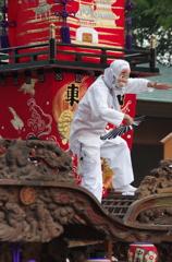 鵠沼皇大神宮例大祭(山車の屋根踊りひょっとこ)
