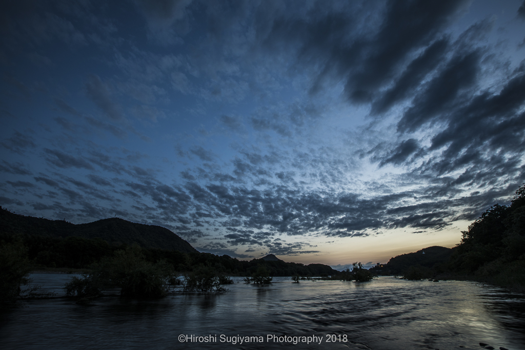 長良川(夕暮れ)