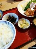 銀シャリ鶏唐揚げタルタル定食