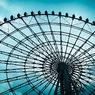 Ferris wheel on a cloudy day